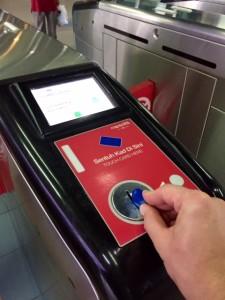 Odhození žetonu při východu z metra