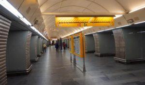 Stanice metra Karlovo náměstí trasa B - stanice metra