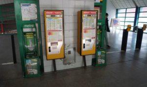 Stanice metra Luka trasa B - turnikety na označení jízdenek
