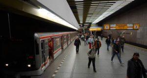 Stanice metra Smíchovské nádraží trasa B - pohled na celou stanici zastávku