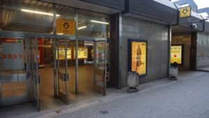 Metro Křižíkova stanice - vchod do metra Praha