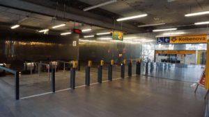 Metro Kolbenova stanice - turnikety metra Praha