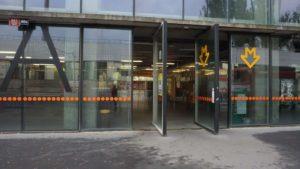 Metro Kolbenova stanice - vstup do metra Praha